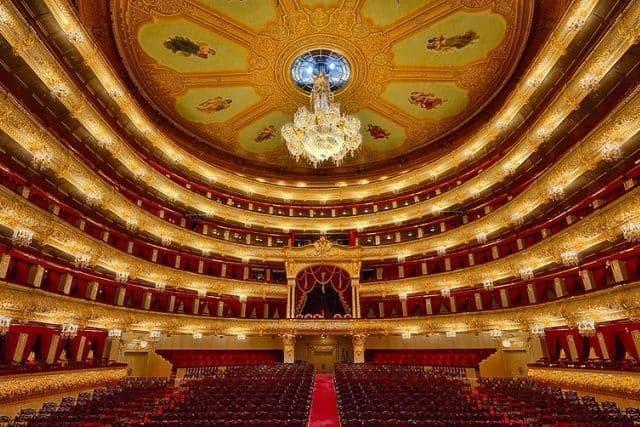 visita guiada pelo interior do teatro bolshoi guiarus